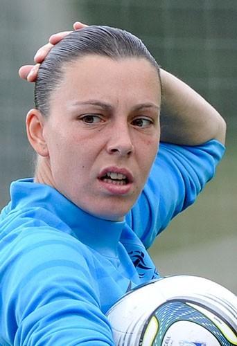 Celine Deville : Danseuse ou footballeuse… ?!