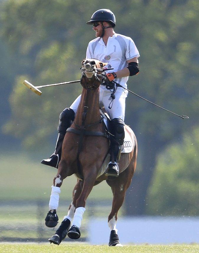 Le Prince Harry lors d'un match de polo - Ascot, le 6 mai 2017