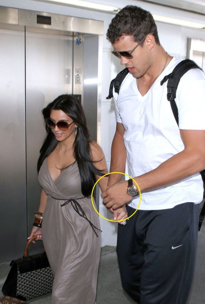 Photos : Kris Humphries ne porte pas son alliance