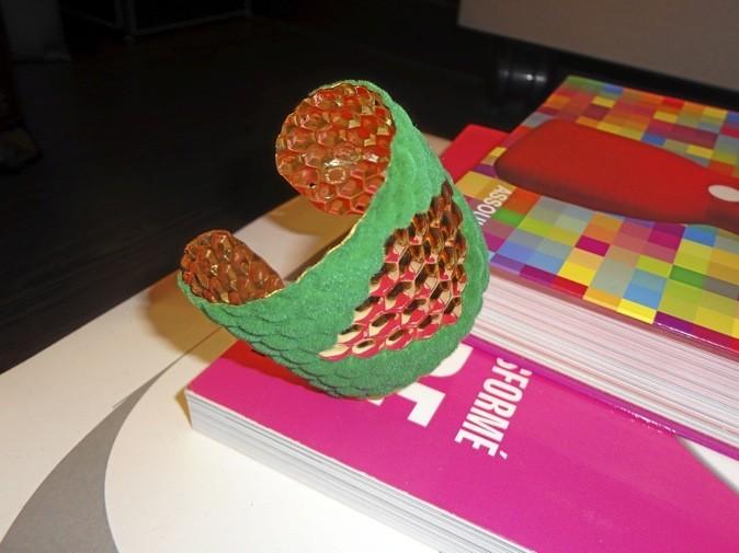 Manchette laiton et velours, Anne Thomas, aux Galeries Lafayette 95 €