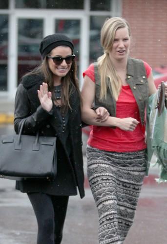 Lea Michele et Heather Morris à Los Angeles le 6 février 2014