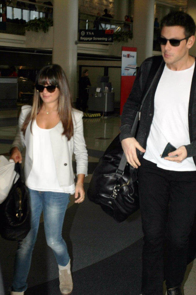 Lea Michele et Cory Monteith à l'aéroport de Los Angeles le 17 juin 2013