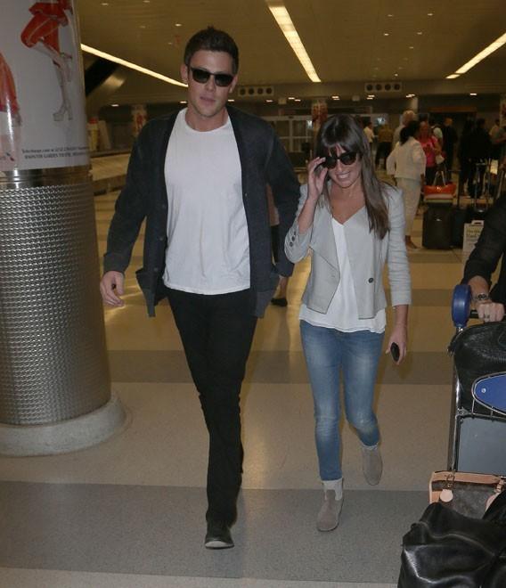 Lea Michele et Cory Monteith à l'aéroport JFK de New-York le 17 juin 2013