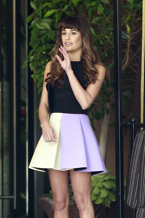Lea Michele devant l'hôtel Four Seasons de Los Angeles le 8 octobre 2013
