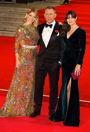 L�a Seydoux, Monica Bellucci, Daniel Craig : trio ultra glamour pour la premi�re de Spectre !