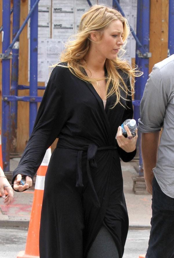 Blake Lively sur le tournage de Gossip Girl à New-York le 31 juillet 2012