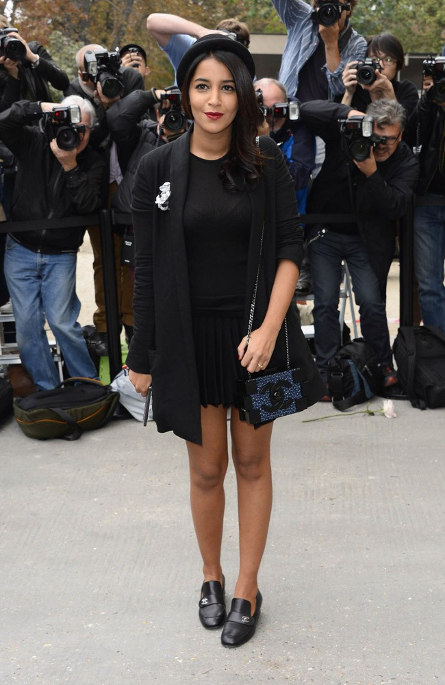 Leïla Bekhti au défilé Chanel organisé au Grand Palais de Paris le 1er octobre 2013