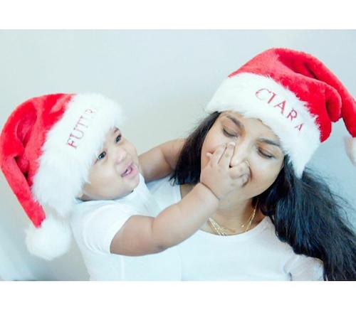 Ciara et son fils prêts pour Noël