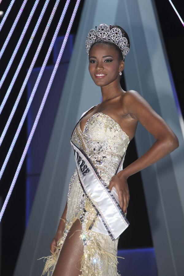 Leila Luiliana da Costa Viera Lopes, la nouvelle Miss Univers !