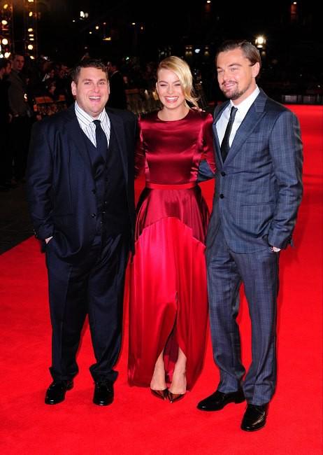 """Leonardo DiCaprio, Margot Robbie et Jonah Hill lors de la première du film """"Le Loup de Wall Street"""" à Londres, le 9 janvier 2014."""
