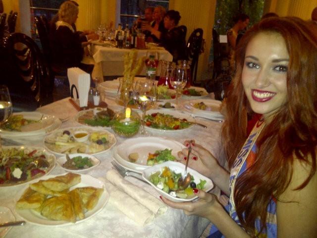 La cuisine locale à l'air de plaire à Delphine