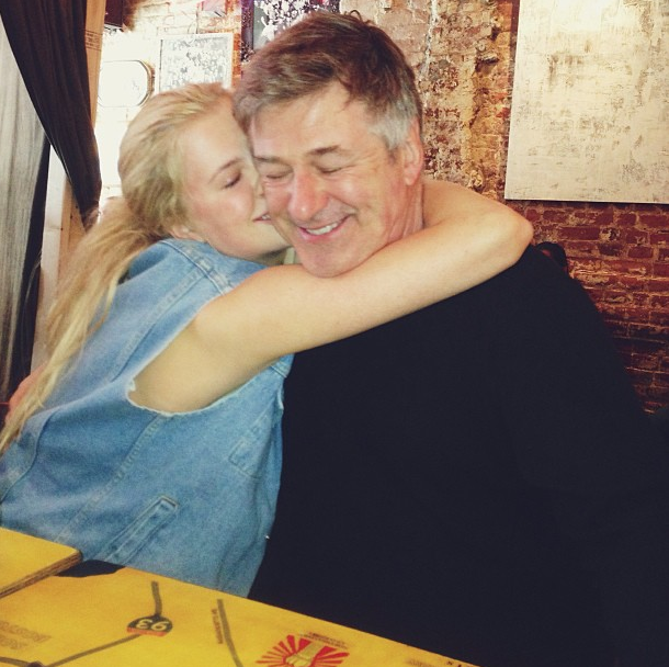 Le papa et sa grande fille