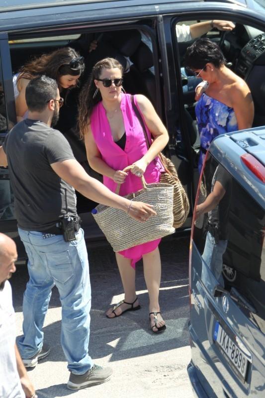 Khloé rejoint sa famille en Grèce