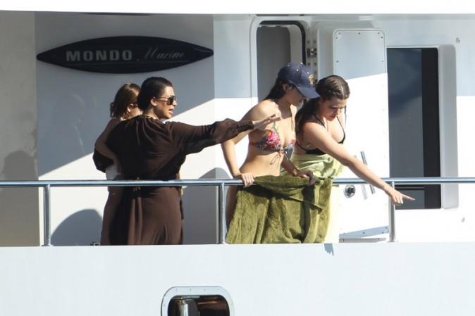 Les Kardashian sont en vacances sur la Mer Egée
