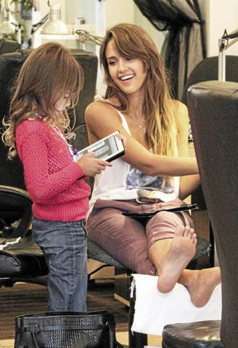 Jessica Alba et Honor, accros à l'iPad !