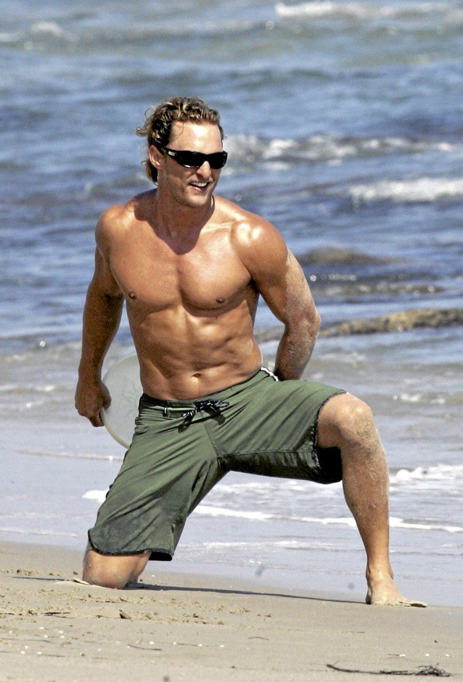 Matthew McConaughey, le surfeur bronzé !