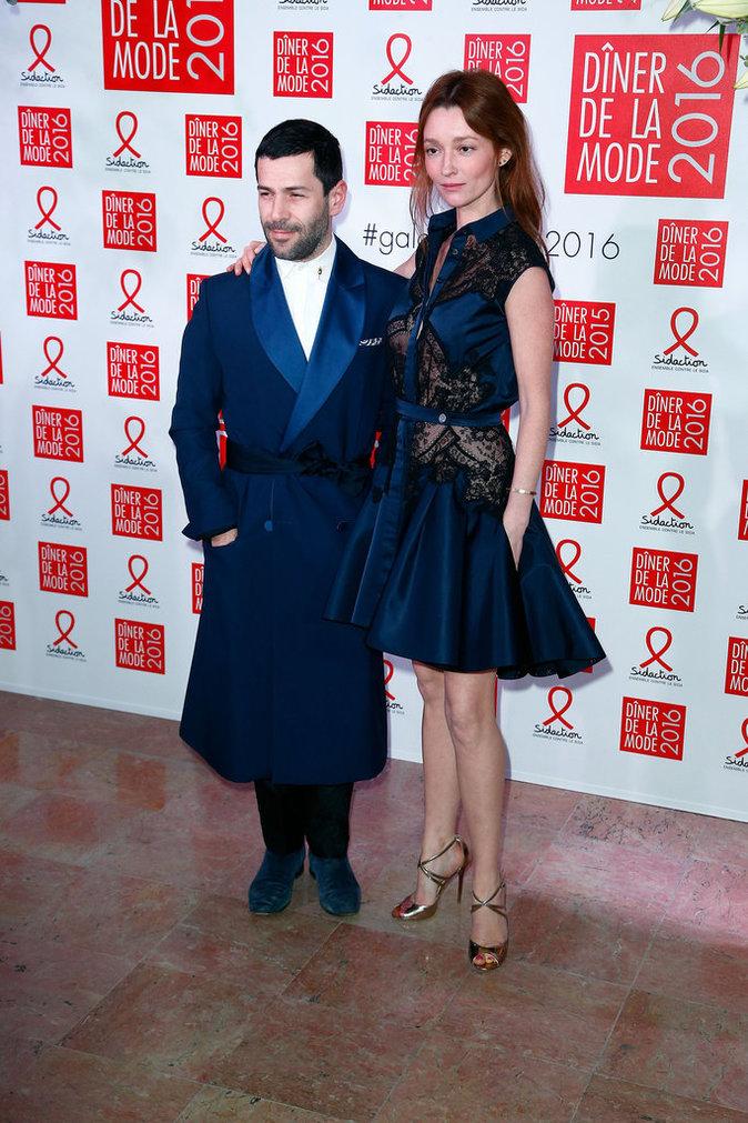 Photos : les modeuses Constance Jablonski et Doutzen Kroes mobilisées pour le Sidaction
