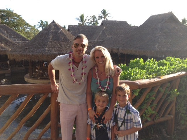 Britney et ses boys en mode Aloha