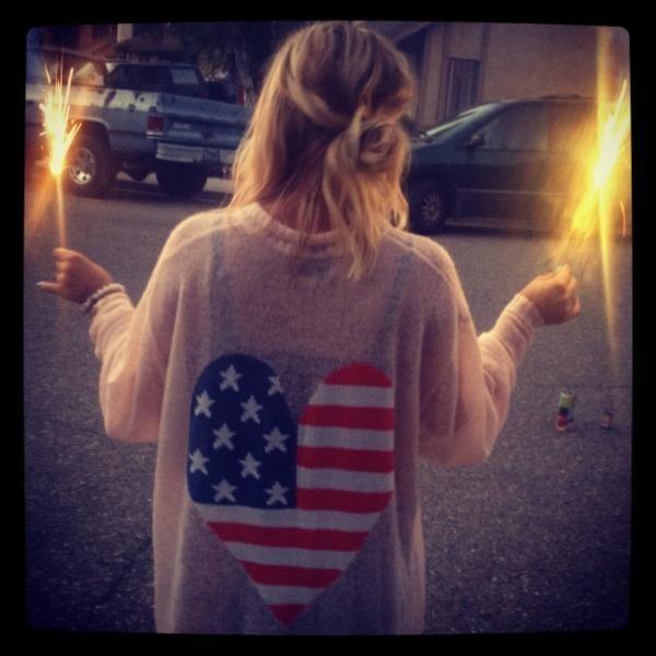 Kaley Cuoco aime son pays