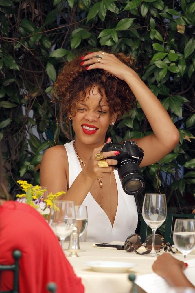 Rihanna a un problème avec ses cheveux !