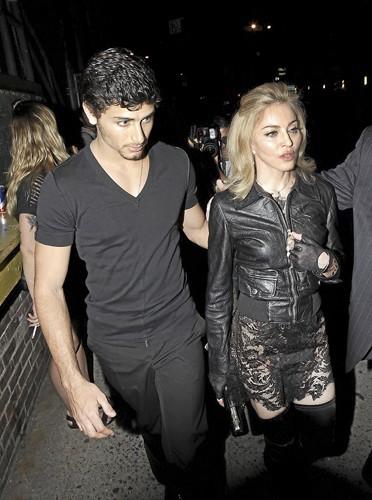 Madonne & Jesus Luz ! Il voulait un enfant !