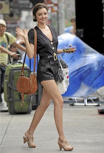 Photos : Miranda Kerr épargnée par la cellulite