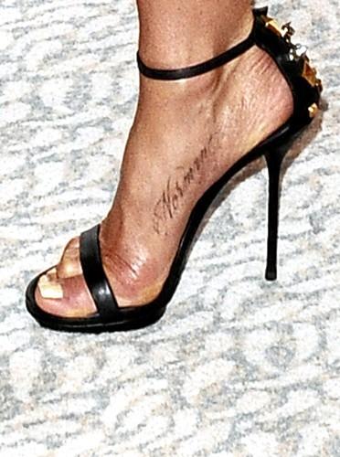 Le tatouage d'amour de Jennifer Aniston pour son chien Norman : Toutou au pied !