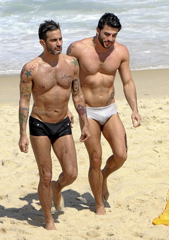 10 avril 2012 : Marc Jacobs : à la pêche aux moules burnes !