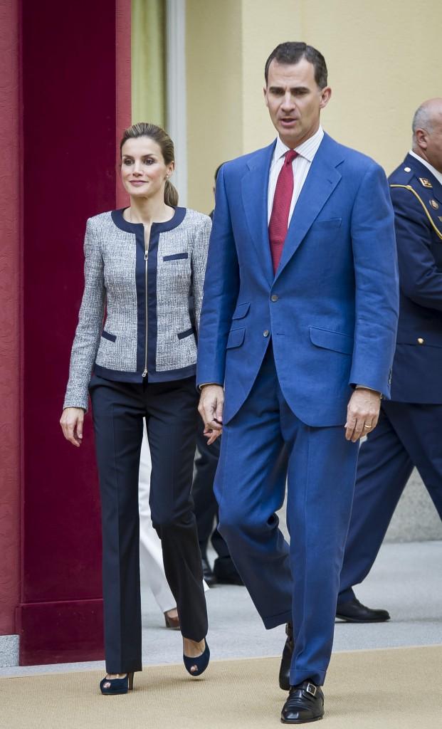 Photos : Letizia d'Espagne : la reine du bon goût n'a d'yeux que pour son Felipe !
