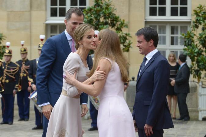 Letizia et Felipe d'Espagne lors de leur visite de Matignon le 22 juillet 2014