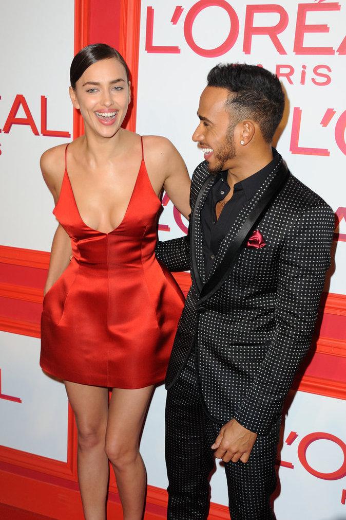 Lewis est à la bonne taille face à Irina Shayk