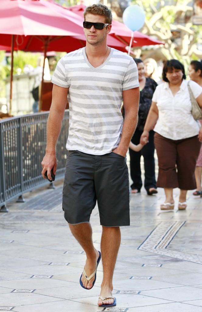 Liam Hemsworth et son style décontracté !