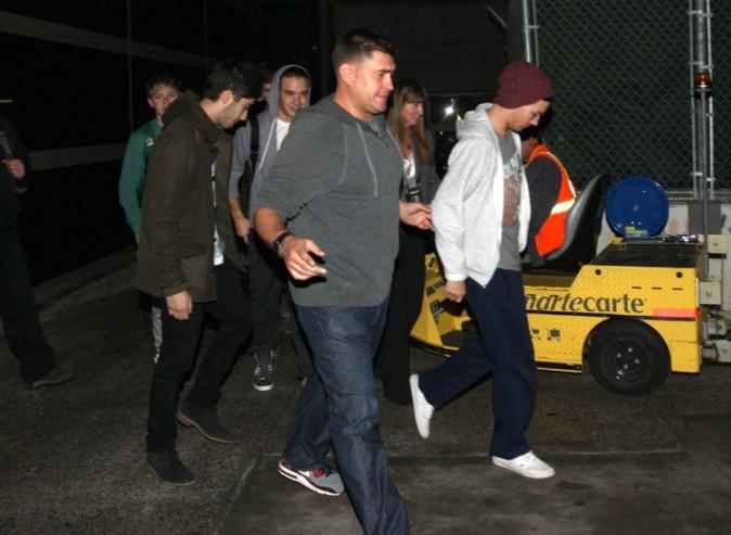 Les One Direction à leur arrivée à l'aéroport de Los Angeles le 6 novembre 2012