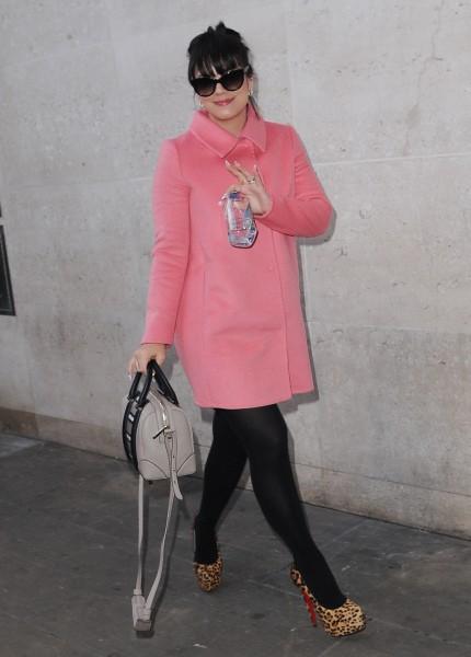 Lily Allen en promo à Londres, le 19 novembre 2013.