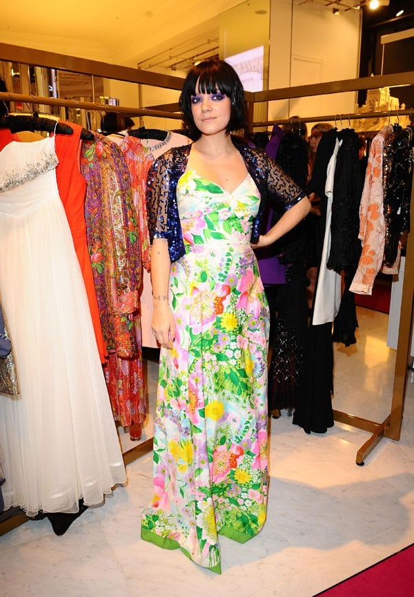 Lily Allen a vécu une rude année, heureusement, elle a lancé une boutique avec sa soeur...