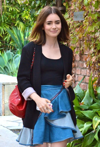 Lily Collins à Los Angeles le 2 décembre 2013
