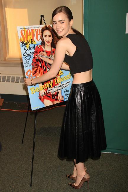 """Lily Collins lors de la soirée """"Seventeen Magazine Cover Party"""" à New York, le 6 août 2013."""