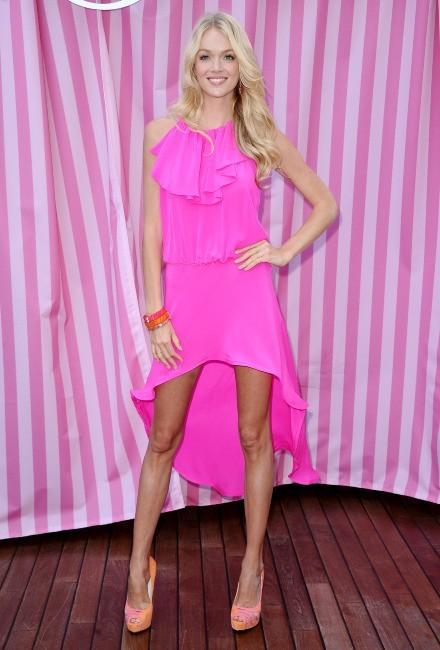 Lindsay Ellingson en promo à Beverly Hills, le 10 mai 2012.