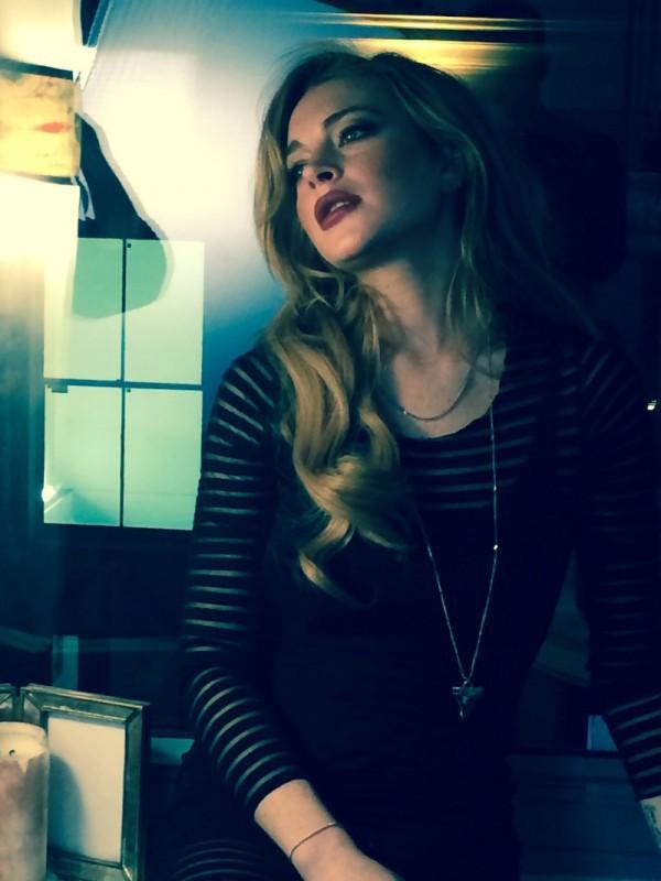 Lindsay Lohan dévoile des photos de son shooting pour le ELLE indonésien