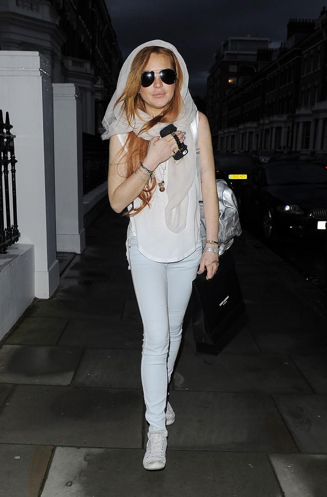 Lindsay Lohan : elle s'éclate à Londres et zappe la remise de diplôme de son frère !