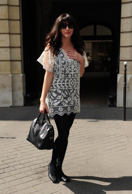 Photos : Liv Tyler fait son shopping à Paris