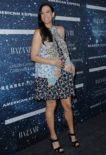 Liv Tyler : radieuse et épanouie pour sa deuxième grossesse !