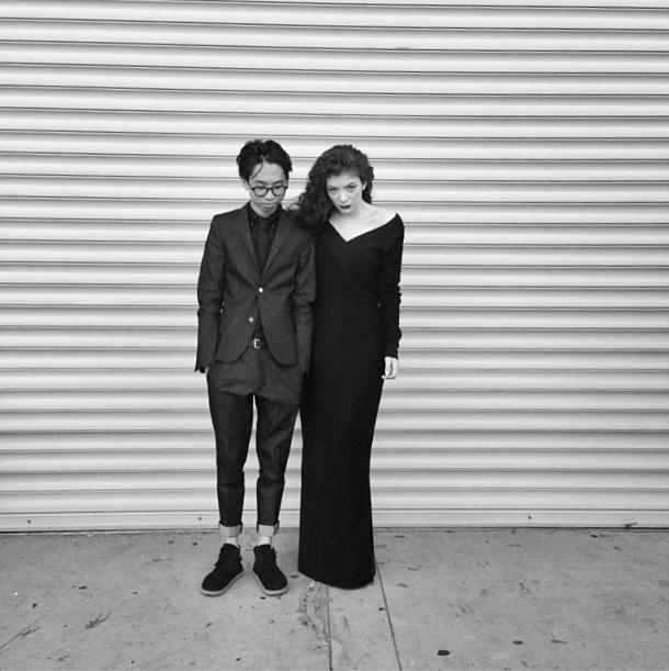 Lorde sort avec le photographe néo-zélandais James Lowe !