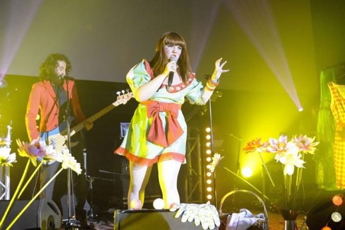 Luce en concert au MK2 à Paris, le 9 juin 2011.