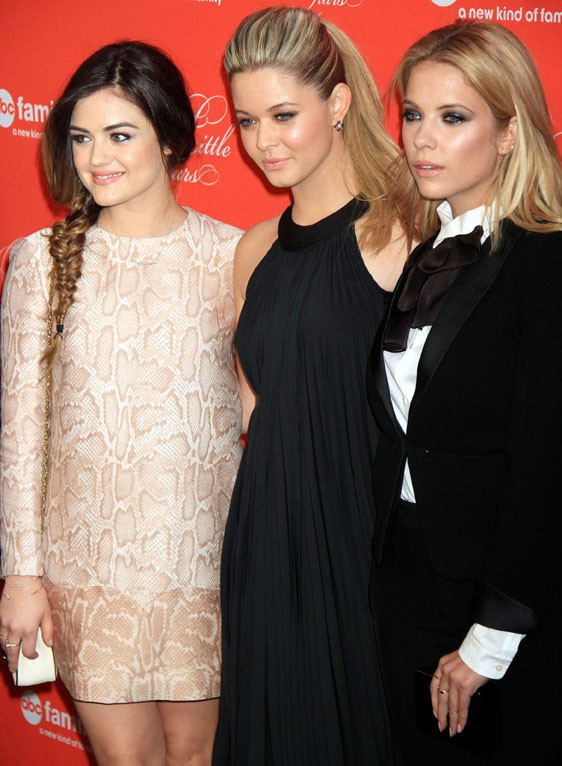 Lucy Hale, Ashley Benson... Toutes les Pretty Little Liars réunies pour le grand final de la saison 4 !