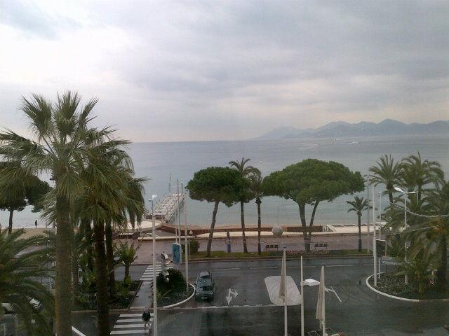 Cannes et sa grisaille par M. Pokora !