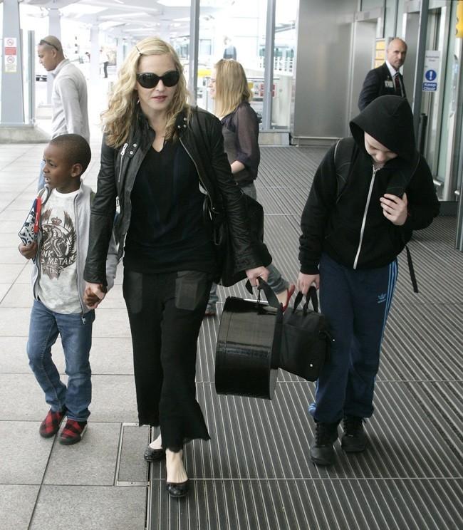 Madonna dans le rôle de la mère de famille ...