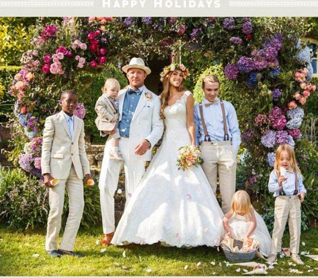 Une photo de famille postée par la nouvelle femme de Guy Ritchie