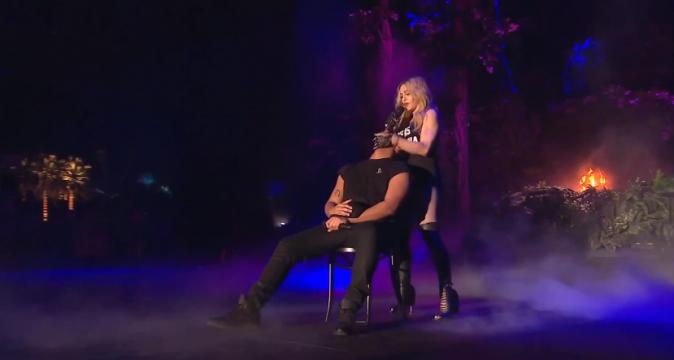 Photos : Madonna : un coup de langue de trop à Coachella !