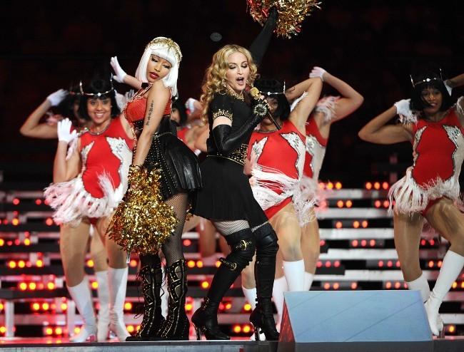 Madonna et Nicki Minaj lors de la finale du Super Bowl à Indianapolis, le 5 février 2012.